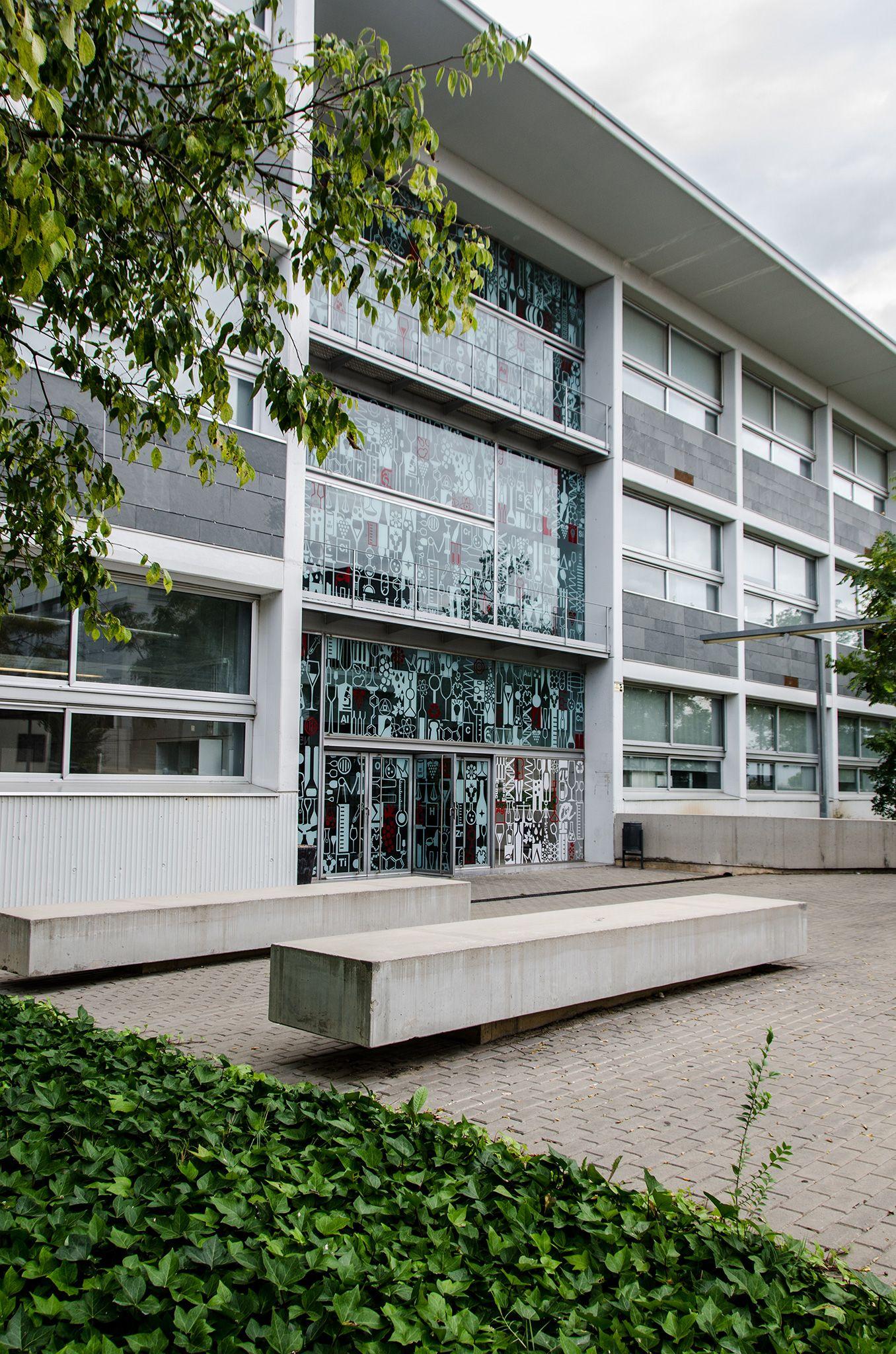 Exterior facade design gallery of in vogue modern for Exterior facade design
